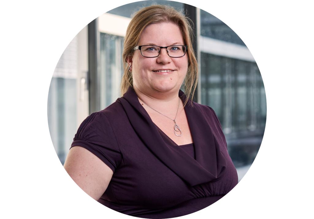 Porträt der Geschäftsführerin Frau Dr. Cornelia Herriger